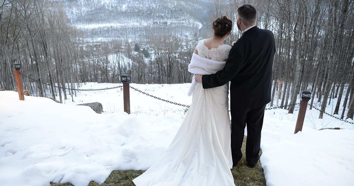 Mr Mrs Winter Wedding At Appel Inn: Stroudmoor Country Inn, Pocono Resort And Wedding Venue