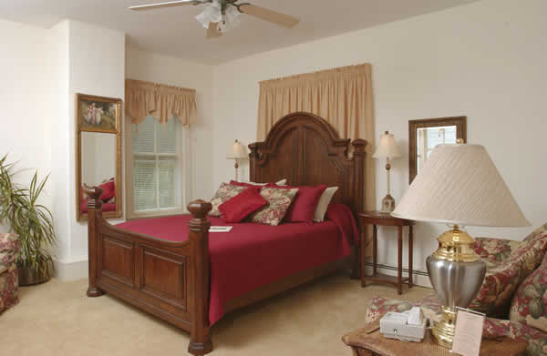 Stroudsmoor Country Inn - Stroudsburg - Wedding Resort - Auradell Suite - Bedroom