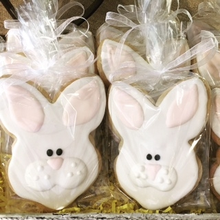 Stroudsmoor Country Inn - Stroudsburg - Poconos - Easter Event Holiday - Stroudsmoor Inn Bakery Bunny Cookies