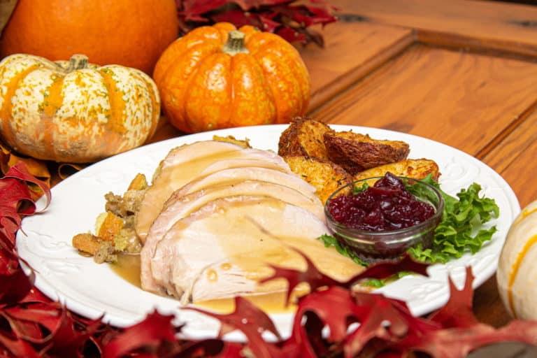 str thanksgiving plate turkey meal min
