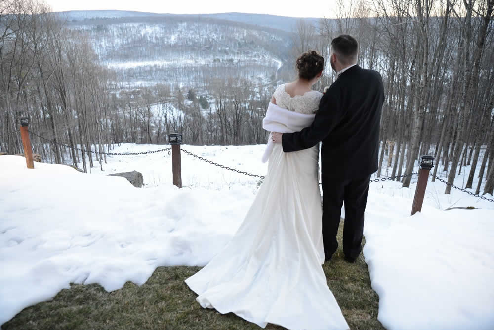 Mr Mrs Winter Wedding At Appel Inn: Stroudsmoor Country Inn, Pocono Resort