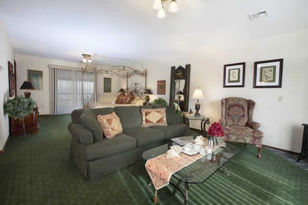 Stroudsmoor Country Inn - Highland Cottage - Accommodations